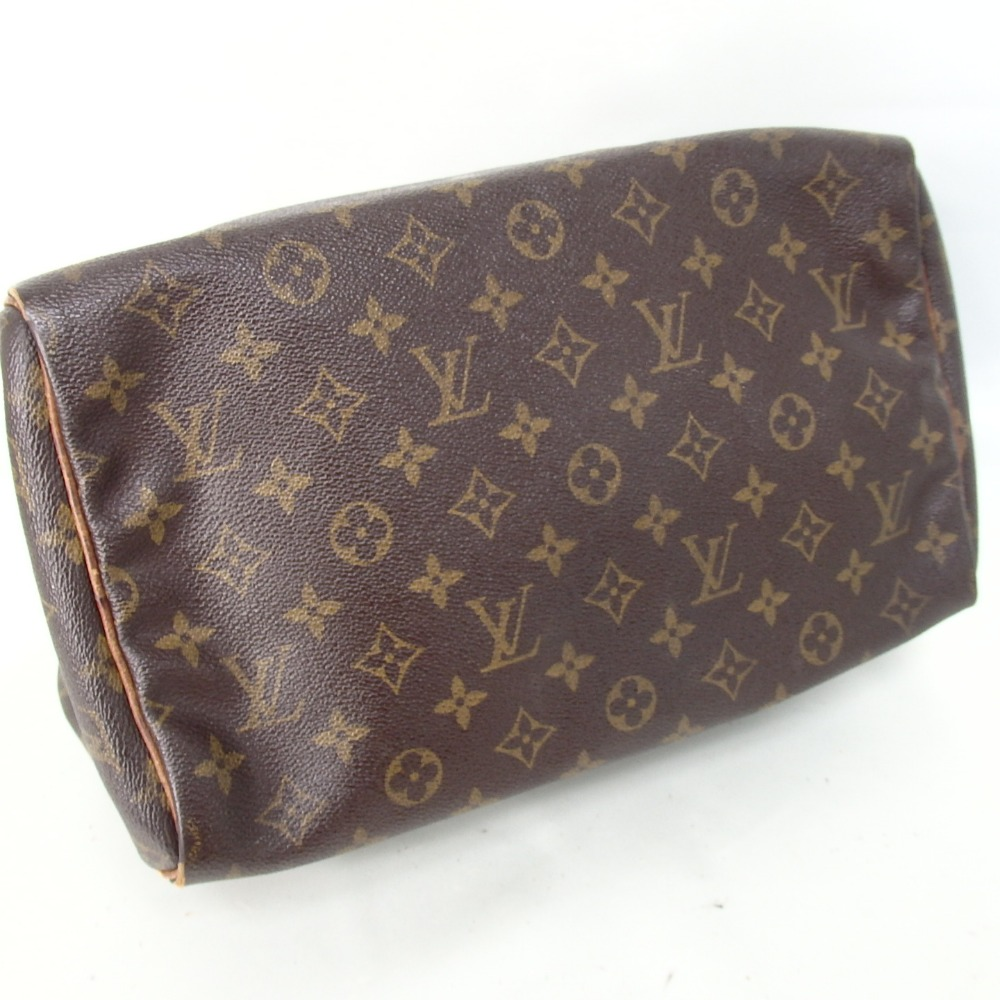 louis vuitton target segment Affluent luxury consumer psychographic segmentation but finding common characteristics that defines segments in this market can help us understand and better target shiseido and hugo boss top fashion brands their closets stock fashion products from calvin klein, gucci, louis vuitton.