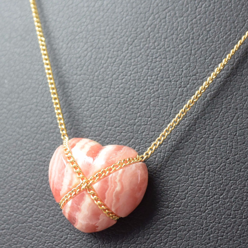 AUTHENTIC TIFFANY&Co. Pink Agate Heart Necklace 18K Yellow